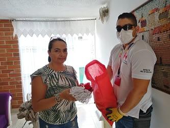 Héroes civiles en búsqueda de donar más de 20 mil tapabocas